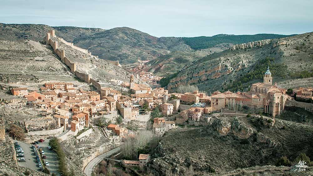 Fotografía panoramica de Albarracin y sus murallas