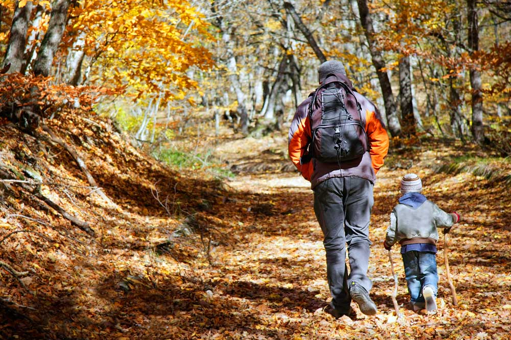 Fotografía de un paseo por Albarracin con niños