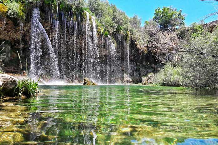 Fotografia del agua de la cascada