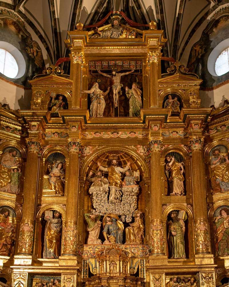 Imagen del retablo mayor en la Catedral del Salvador