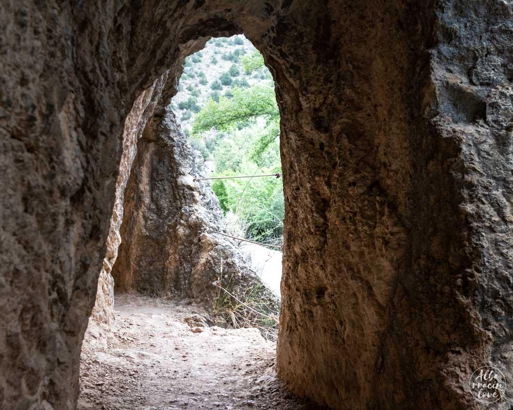 Fotografía de las ventanas al exterior del Acueducto Romano de Gea