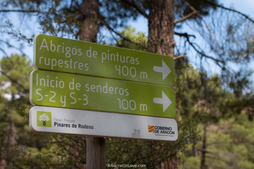 Fotografía de Carteles informativos de las Pinturas Rupestres