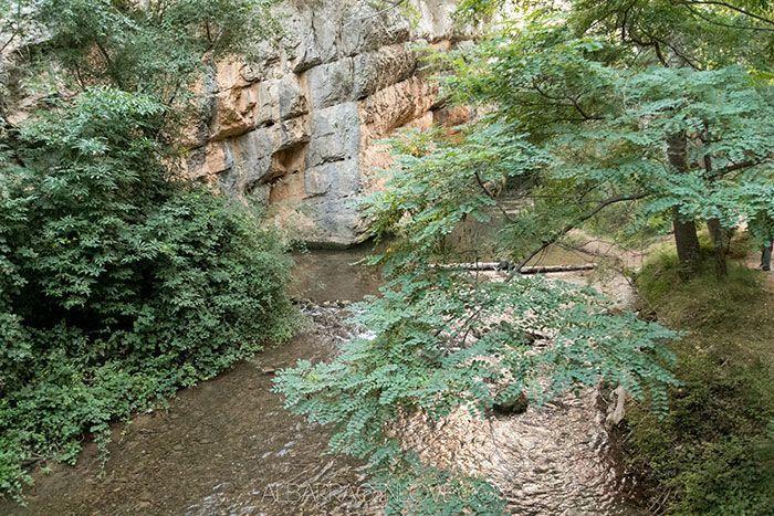 Fotografía del Río Guadalaviar desde las pasarelas habilitadas para pasear