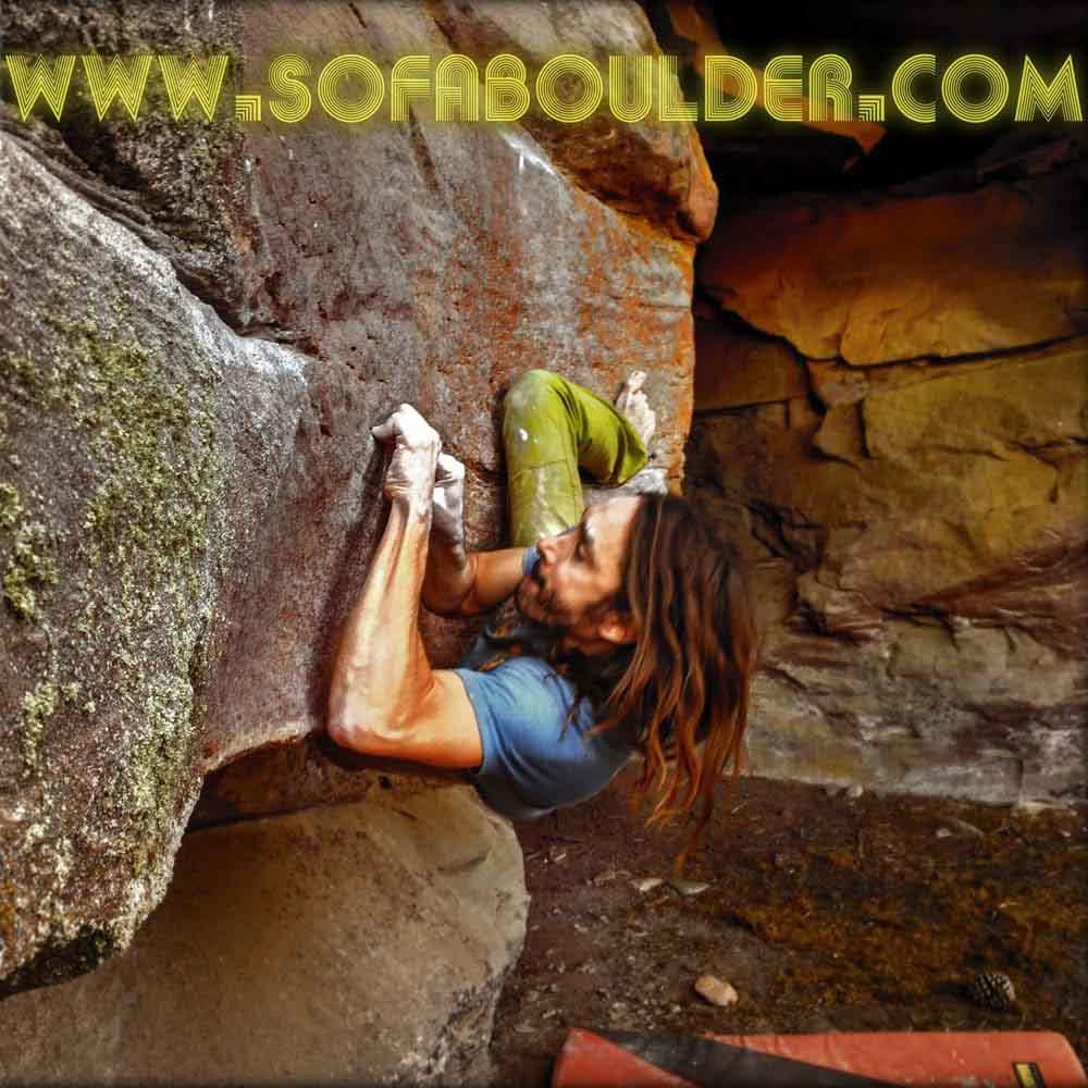 Ivan de Sofaboulder escalando